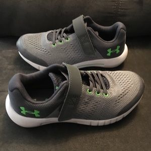 Boy's Under Armour Sneakers